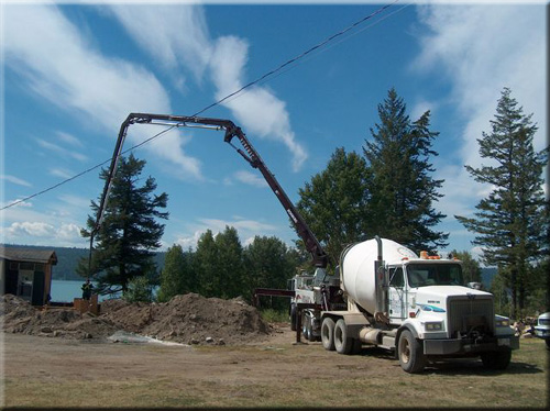 Sanders Redi - Mix, 100 Mile House, BC - 250-395-3088